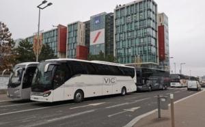 France : Pourquoi les autocaristes ont manifesté devant le siège d'Axa ?