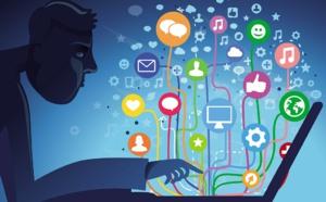 Réseaux sociaux : face à des clients ultraconnectés, comment exister et communiquer en 2021 ?