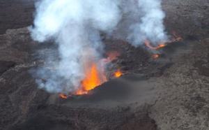 Réunion : le Piton de la Fournaise est entré en éruption
