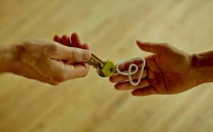 Airbnb lance une nouvelle ligne d'assistance d'urgence dédiée au voisinage
