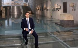 """Harry Theoharis, ministre grec du tourisme : """"la Grèce va abandonner progressivement les restrictions"""""""