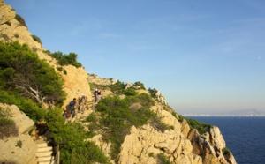 France : dix balades secrètes pour découvrir la Provence autrement...