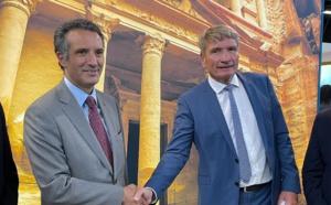 Mercredi 6 octobre 2021, Mr. Nayef Al Fayez, ministre du tourisme et des antiquités de Jordanie et Helmut Stückelschweiger, PDG de Top of Travel ont profité de l'IFTM Top Resa pour renouveler leur partenariat. - DR