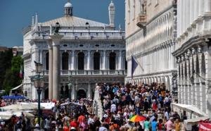 FUTUROSCOPIE - Tourisme à Venise : vivre ou mourir ?