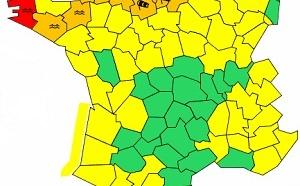 Météo : Finistère en alerte rouge, 23 départements en vigilance orange