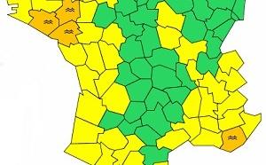 Crues : 4 départements français toujours en alerte orange