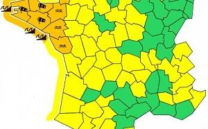 Crues et tempête : 7 départements de l'Ouest de la France en alerte Orange
