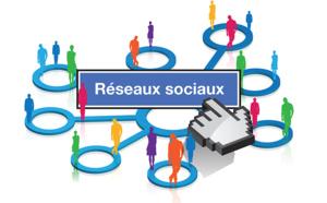"""Face aux réseaux sociaux, le """"Vieux monde"""" fait de la résistance..."""
