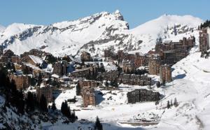 Avoriaz : un avion de tourisme atterrit d'urgence sur une piste de ski