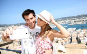 54% des Français restent connectés en vacances