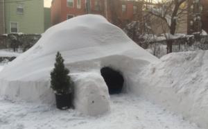 New York : il construit un igloo et le met en location sur Airbnb