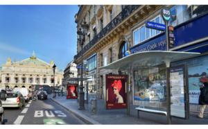 Paris digitalise ses abribus avec des applications dédiées aux touristes