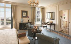 Ambiance et déco dans les palaces parisiens : calme, luxe et volupté !