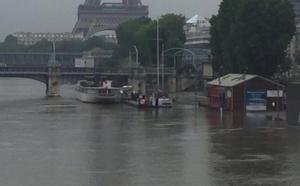 """Crue de la Seine : """"pas de reprise de l'activité avant le début de la semaine prochaine"""" selon Vedettes de Paris"""