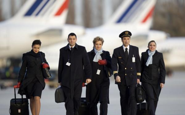 Air France : les PNC attaquent la direction en justice