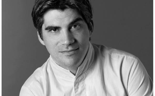 Aigle Azur : le Chef Gaël Orieux, étoilé Michelin, signe les plats de la classe Affaires