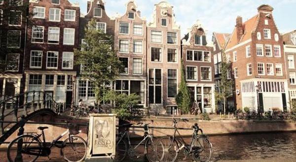 Amsterdam réduit drastiquement les nuits Airbnb