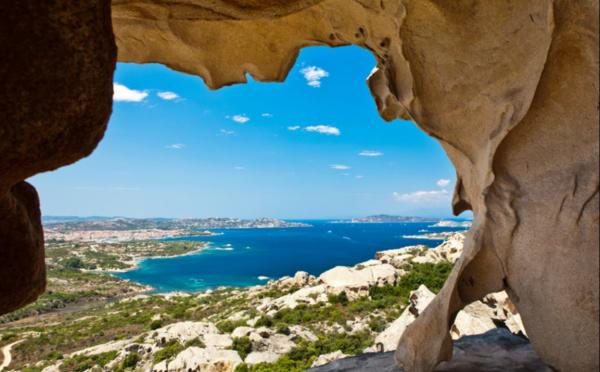 Héliades renforce ses engagements sur la Grèce et lance la Sardaigne
