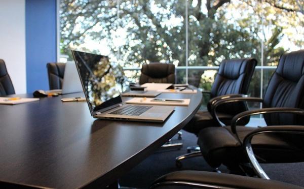 Séminaires : 77% des entreprises choisissent les canaux de réservation pour particulier