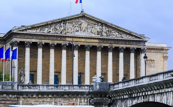 La Blockchain inscrite dans la loi française !