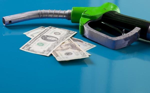 La case de l'Oncle Dom : en France on n'a pas de pétrole mais on manque pas de ... taxes !