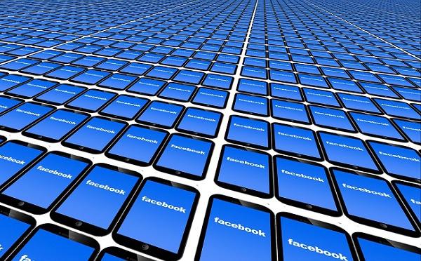 """Facebook : malgré les scandales, les internautes n'ont pas """"encore"""" fui le réseau social"""