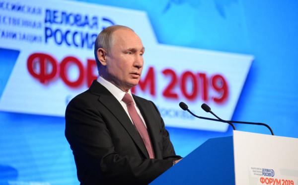 Russie : Poutine souhaite passer au visa électronique