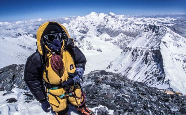 Ascension de l'Everest: faut-il arrêter de vendre des expéditions commerciales ?