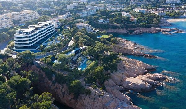 Alàbriga Hotel : un restaurant étoilé et 29 suites luxueuses sur la Costa Brava (Photos)