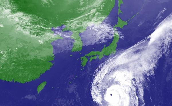 Japon : un puissant typhon se dirige vers Tokyo