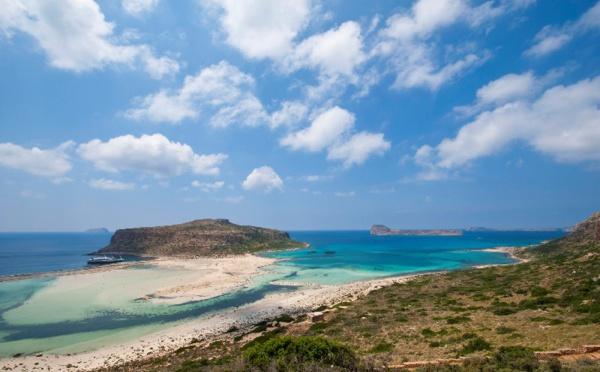 """La Grèce annonce l'ouverture de 515 plages """"organisées"""" pour le 16 mai 2020"""