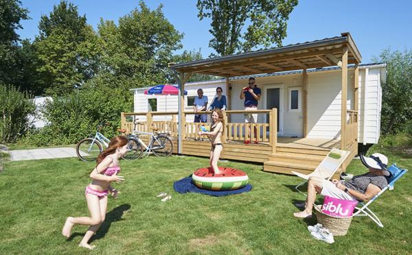 Les campings Siblu : ensemble en toute sécurité, flexibilité et confort des vacances en plein air !