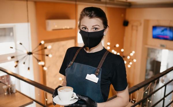 """Fermeture des cafés : menaces sur le """"Parlement du Peuple"""""""