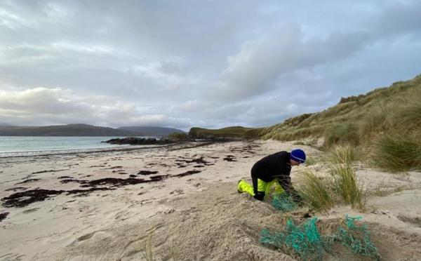 Pourquoi la pollution plastique des côtes est largement sous-estimée