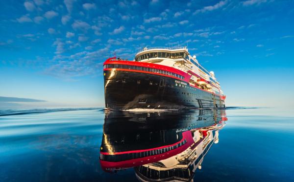 Hurtigruten lance une croisière d'exploration de 93 jours, d'un Pôle à l'autre