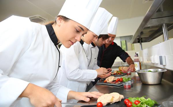 Chef de partie : le cuisinier spécialiste qui vous mitonne des petits plats...