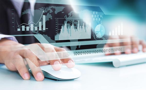 Développeur Web : l'homme (ou la femme) qui met les mains sous le capot...