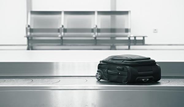 040814-99 - L'agence de voyages est-elle responsable en cas d'avarie aux bagages de son client lors du transport aérien ?