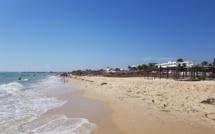 Les réservations de vols vers la Tunisie ont augmenté de 104 146, soit une hausse de 31 %. La plage d'Hammamet en Tunisie en octobre 2018 - Photo CE