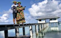Micky et Raita accueillent leur hôtes dans un lieu paradisiaque /crédit photo JDL