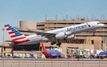 """""""Phoenix (Arizona) Boeing 757-200 d'American Airlines à l'aéroport Phoenix Sky Harbor (PHX) en Arizona /crédit DepositPhoto"""