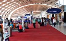 """Tests aéroport : """"Ce contrôle sanitaire à l'arrivée des voyageurs facilite à la fois les voyages des Français à l'étranger et l'accueil en France des voyageurs étrangers."""" - Depositphotos.com packshot"""