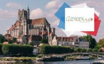 © Victor Lam / La cathédrale d'Auxerre et son port
