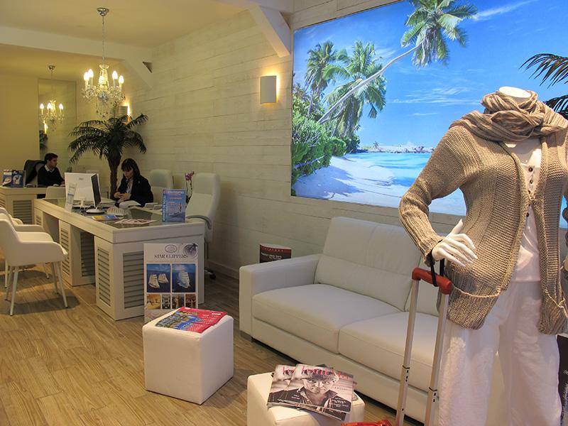 diaporama marseille l 39 agence de voyages travel boutique fait dans le sur mesure et le pr t. Black Bedroom Furniture Sets. Home Design Ideas