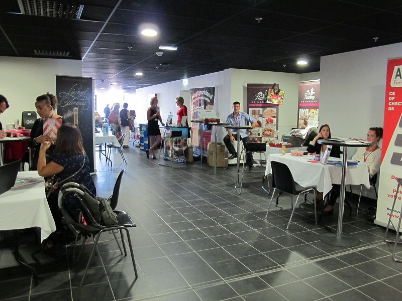 Marseille pr s de 350 acheteurs au salon des ce du stade for Salon du ce
